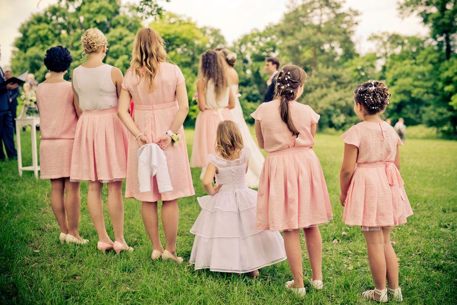 46251eb6b01 Co si oblékne na svatbu host  Hlavní je nezastínit ženicha