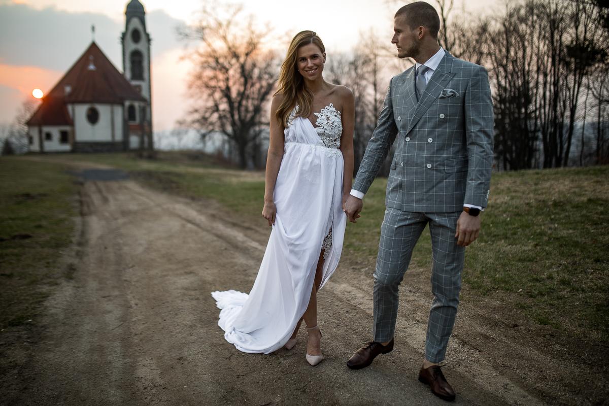 Co Si Oblekne Na Svatbu Host Hlavni Je Nezastinit Zenicha Obleky